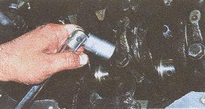 двигатель ЗМЗ 406 крышка коренного подшипника коленчатого вала