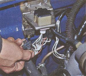 колодка реле системы управления двигателем ЗМЗ 406