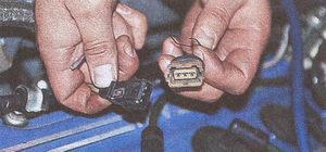 колодка системы управления двигателем и датчика синхронизации