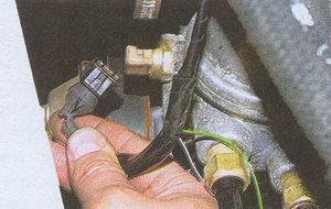 колодка жгута проводов системы управления двигателем и датчика температуры охлаждающей жидкости Волга ГАЗ 31105