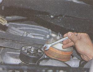 регулировка натяжения и замена ремня ГРМ на двигателе ЗМЗ 406 на автомобиле Волга ГАЗ 31105
