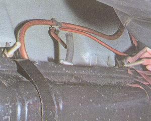 крючки крепления хомутов бензобака