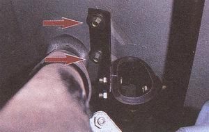 крепления кронштейна подвески глушителя