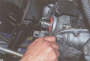сальник коленчатого вала двигателя ЗМЗ 406