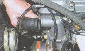 верхний патрубок радиатора