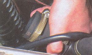 нижний патрубк радиатора
