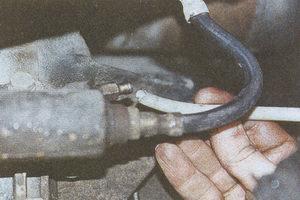 штуцер прокачки рабочего цилиндра сцепления ГАЗ 31105