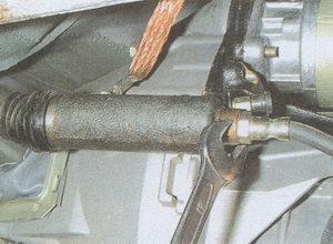 наконечник шланга рабочего цилиндра сцепления ГАЗ 31105