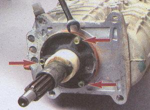 крепление крышки подшипника первичного вала коробки передач ГАЗ 31105