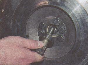 выпрессовка подшипника первичного вала ГАЗ 31105