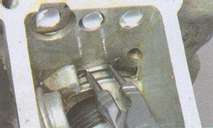 стопорное кольцо заднего подшипника вторичного вала