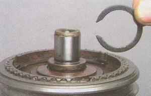 стопорное кольцо вторичного вала кпп