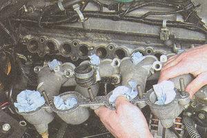 впускной коллектор двигателя ЗМЗ 406
