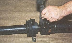 нанесение метки на шлицевой вилке карданного вала автомобиля Волга ГАЗ 31105