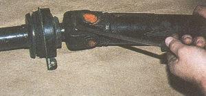 выпремление стопорной шайбы шлицевой вилки карданного вала автомобиля Волга ГАЗ 31105