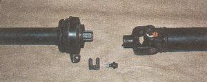 разъединение карданного вала автомобиля Волга ГАЗ 31105
