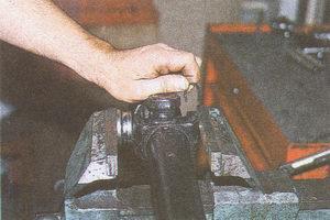 запрессовка подшипника и установка стопорного кольца