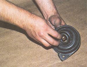 установка кольца в промежуточную опору карданного вала автомобиля Волга ГАЗ 31105