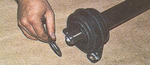 защитное кольцо промежуточной опоры переднего карданного вала автомобиля Волга ГАЗ 31105