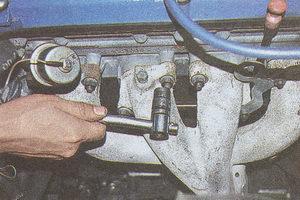 крепление коллектора ГАЗ 31105