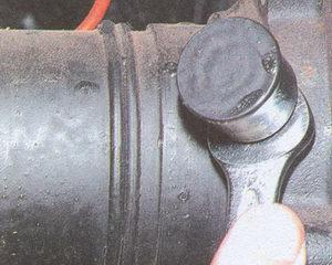 колпачковая масленка подшипника полуоси автомобиля Волга ГАЗ 31105