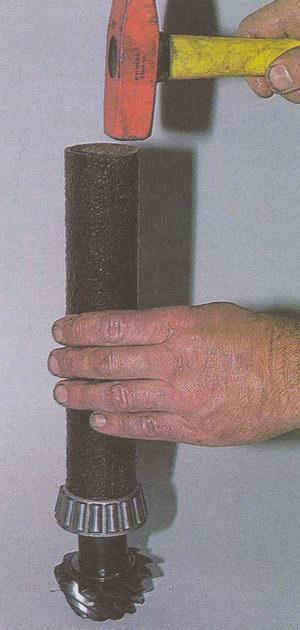 напрессовка внутреннего кольцо заднего подшипника на вал ведущей шестерни