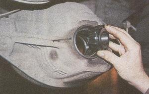 внутреннее кольцо с сепаратором и роликами переднего подшипника картера заднего моста автомобиля Волга ГАЗ 31105