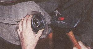 запрессовка сальника картера заднего моста автомобиля Волга ГАЗ 31105