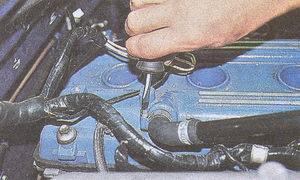 снятие распредвалов с инжекторного двигателя ЗМЗ 406 на автомобиле Волга ГАЗ 31105