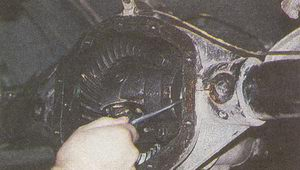 регулировка осевого люфта в подшипниках дифференциала ГАЗ 31105