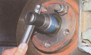 гайка ступицы переднего колеса ГАЗ 31105