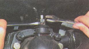 контргайка штока крепления амортизатора Волга ГАЗ 31105