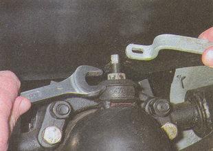 гайка штока крепления амортизатора Волга ГАЗ 31105
