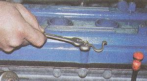 крышка головки блока цилиндров двигателя ГАЗ 31105