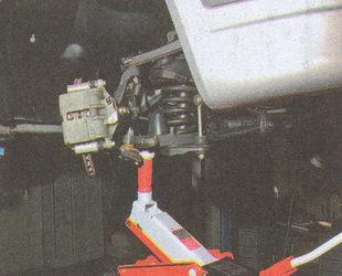 нижний рычаг автомобиля Волга ГАЗ 31105