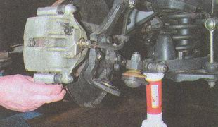поворотный кулак автомобиля Волга ГАЗ 31105