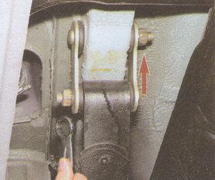 гайки пальцев серьги рессеры ГАЗ 31105