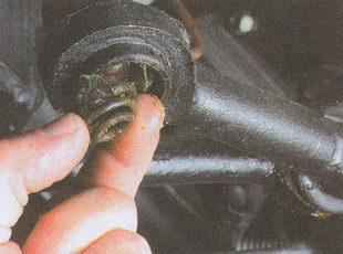 пружина шарнира рулевого наконечника ГАЗ 31105