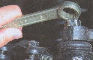 гайка пальца шарнира рулевой тяги
