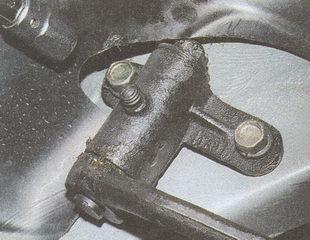 крепление маятникового рычага ГАЗ 31105