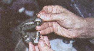 наконечник нагнетательного шланга рулевого управления ГАЗ 31105