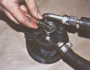 пружина насоса гидроусилителя ГАЗ 31105