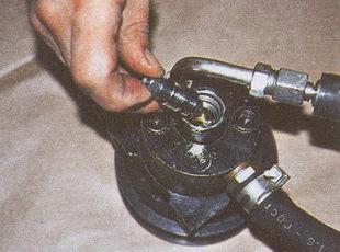 золотник расходного клапана насоса гидроусилителя ГАЗ 31105