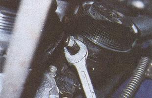 крепление насоса гидроусилителя ГАЗ 31105