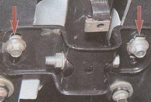 болты крепления хомута рулевой колонки ГАЗ 31105