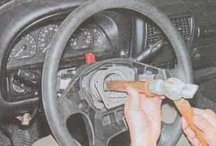 спрессовывание рулевого колесо ГАЗ 31105
