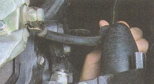 тормозной шланг с резиновым держателем
