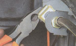 стопорная пластина тормозного шланга