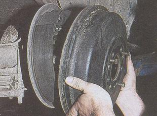 тормозной барабан автомобиля Волга ГАЗ 31105