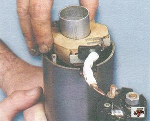 установка щеткодержателя в корпус стартера Лада Калина ВАЗ 1118